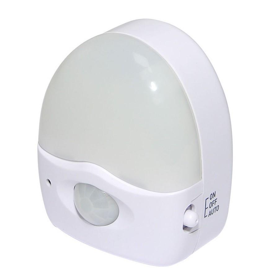 h h bwl 230 led nachtlicht mit bewegungsmelder lampe steckerlicht led lampe ebay. Black Bedroom Furniture Sets. Home Design Ideas